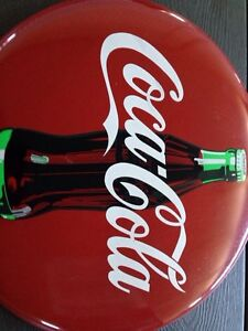 Collectible Coca Cola button- Great for Christmas! London Ontario image 2