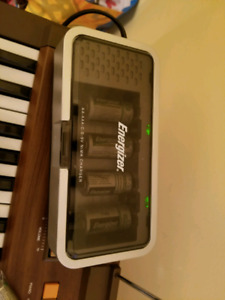 Energizer Rechargeable Battery Charger with batteries