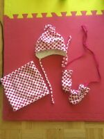Baby hat and mitten set