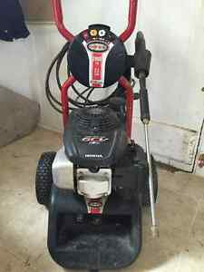 Honda pressure washer with Simpson pump 2600 PSI