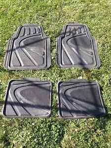 Set of 4 Rubber Car Mats