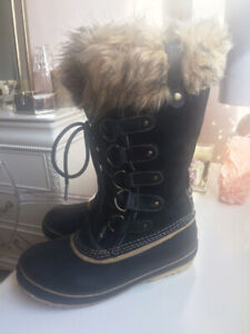Women's SOREL Joan of Arctic Boots Size 8 Suede / Leather + Box