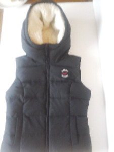 NEW HOLLISTER WINTER VEST SIZE S