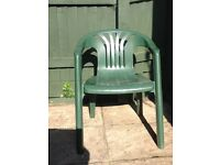Free to collector: 6 plastic garden chairs