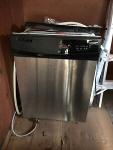Whirlpool dishwasher (200$)