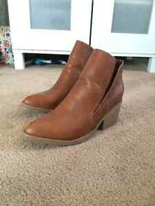 APT.9 ankle boots