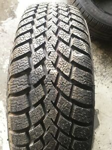 SNOW TIRE ONE 99% NEW NOKIAN 185/65R15 88H