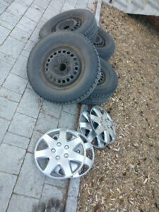 Winter Tires Pneus D'hivers 215/70/r15 - Great Condition