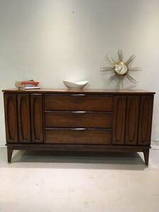 Sideboard buy or sell hutchs display cabinets in for A z kitchen cabinets ltd calgary
