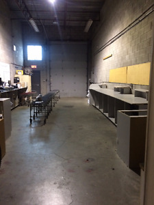 Small office and warehouse sublease West Island Greater Montréal image 5