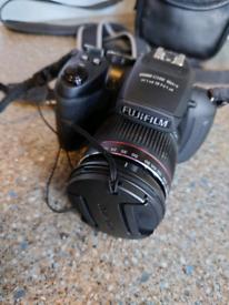 Fuji Finepix HS 20 EXR Digital Camera