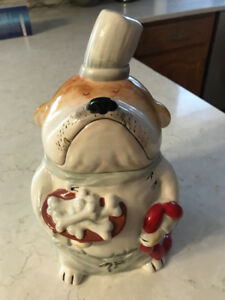 CUTE Ceramic Dog Cookie Jar in MINT Condition