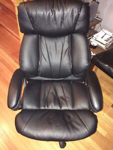 Very comfy Office chair (need to be gone by Sunday!) St. John's Newfoundland image 1