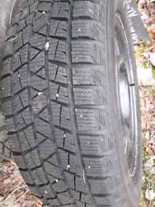 Winter tires and rims 215 60 17