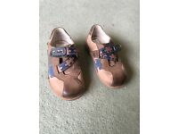 Boys shoes Clarks 6F