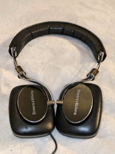 Bowers and Wilkins p3 headphones.