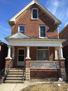 Summer Sublet Available for QUEENS STUDENTS ONLY!!!!