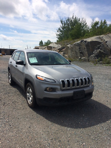 2015 Jeep Cherokee Sport 19 000km WHY BUY NEW!?!
