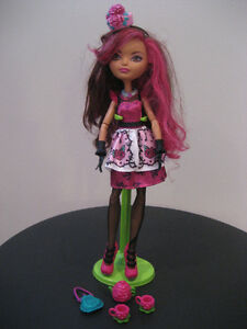 EVER AFTER HIGH DOLL AND ACCESSORIES