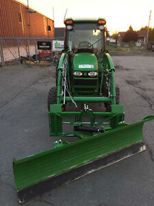 2012 John Deere 4320 chargeur + lame hydraulique *192 heures West Island Greater Montréal image 2