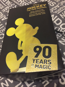 Mickey Mouse Gold Collection Sculpture LE 90th Anniversary