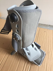 Youth air support orthopedic boot