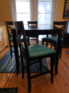 Bar height dining table with 4 stools with extension