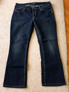 "Size 16 Silver Jeans - Aiko Boot Cut Leg 28""  Great condition"