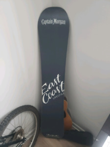 Snowboard for sale !! Hasnt been used