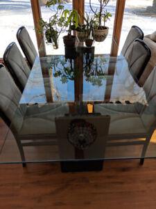 Magnifique table en verre trempé
