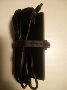 Dell laptop power supply, 90W slim OEM