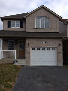 Detached house for rent in Courtice- $1800