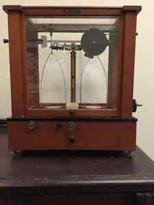 Christian Becker Antique mohagany complete set scientific scale