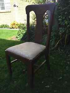 Four Dining Room Chairs for Sale Cambridge Kitchener Area image 2