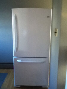 11 month old fridge, stove and dishwasher-$ 1000 OBO