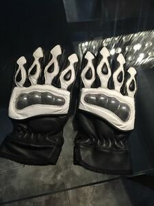 Real leather riding gloves SIZE: SMALL