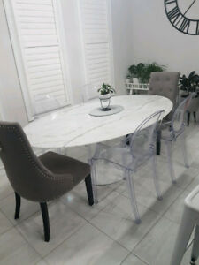 Oval solid marble pedestal table