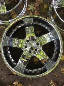 "24""x10"" Chrome rims, 6x5.5"" or 6x139.7mm bolt pattern."