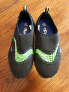 Water Shoes Kids size 11/12