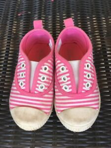 Joe Fresh sneakers - toddler size 6