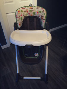 Winnie the Pooh high chair graco