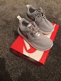 Brand new Boys infant size 10 Nike roshe