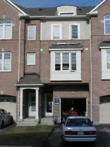 3 BR, 3 WR Executive town home in Ajax – Full House – New Paint