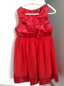 Excellent condition girls holiday dress - size 6