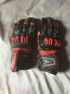 Red Motorcycle Gloves Kingston Kingston Area image 1