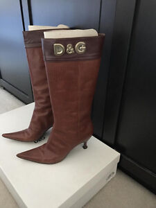 Gorgeous Dolce & Gabbana brown pointed boots size 37.5/7