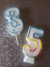 2x birthday candles £ 0.50p