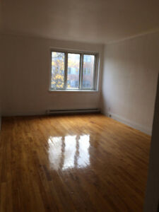 3 1/2 for RENT in Town of Mont-Royal