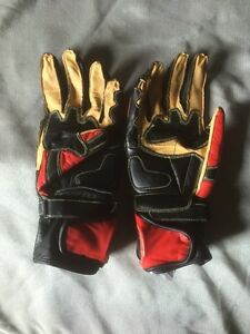 Red Motorcycle Gloves Kingston Kingston Area image 2