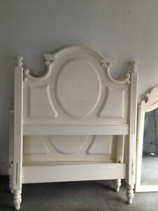 PRICED TO SELL QUICKLY - GORGEOUS WHITE BEDROOM SET